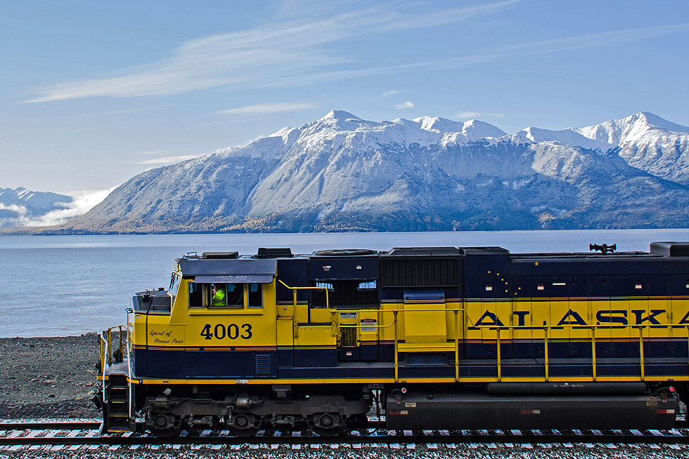 Train Turnagain Arm Coastal